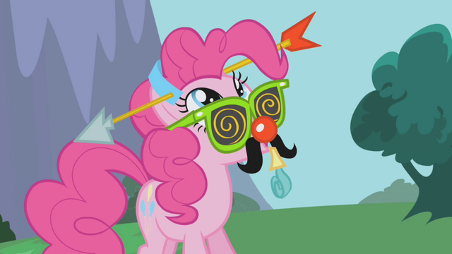 File:Pinkie looking up at Gilda S1E05.png
