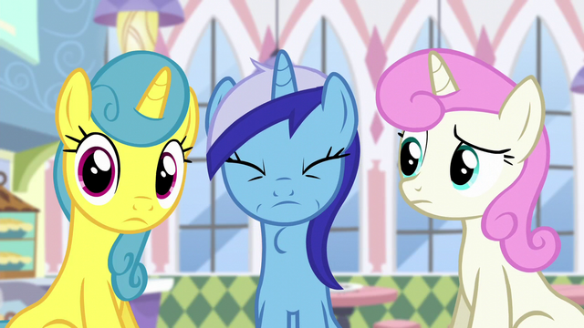 File:Minuette swallowing donut S5E12.png