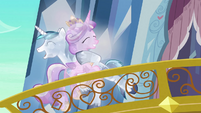 Crystal Cadance and Shining hug S3E2