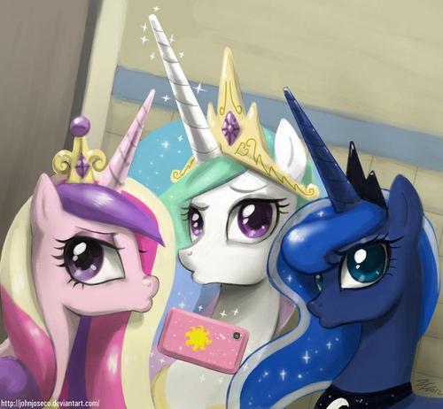 File:FANMADE princesses duckfaces.jpg