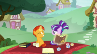 Sunburst helping filly Starlight with magic S6E1