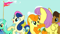 Sweetie Drops and Golden Harvest cheering S2E14