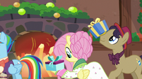 Flutterholly and stallion receiving presents S6E8