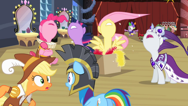 File:Ponies shouting S2E11.png