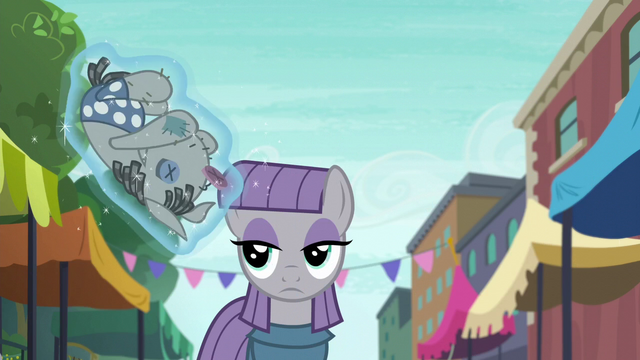 File:Maud Pie looking at Smarty Pants S6E3.png