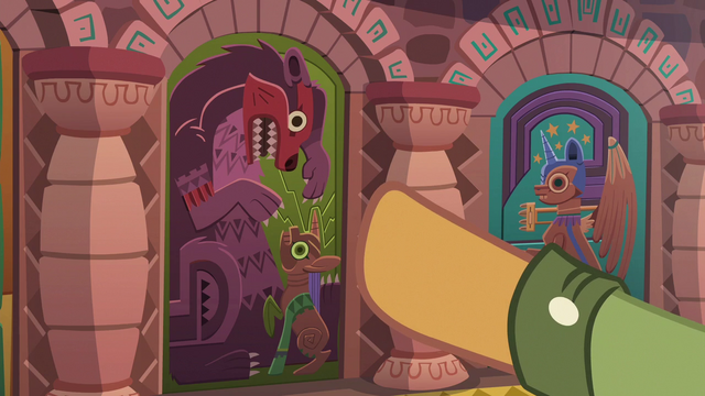 File:Quibble Pants points to fifth door S6E13.png