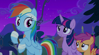 Twilight Sparkle greeting Rainbow Dash S6E7