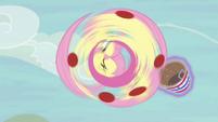 Fluttershy instinctively doing her spin move S6E18