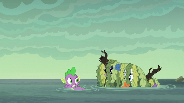 File:Pile of seaweed follows Spike S6E5.png