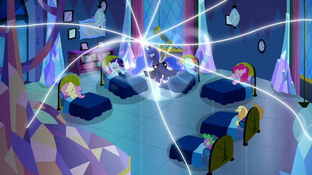 File:Princess Luna exerts her dream magic further S5E13.png