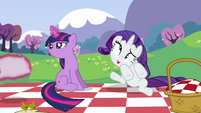 Twilight gets a pillow S2E25