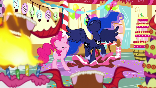 File:Princess Luna appears in Pinkie's dream S5E13.png