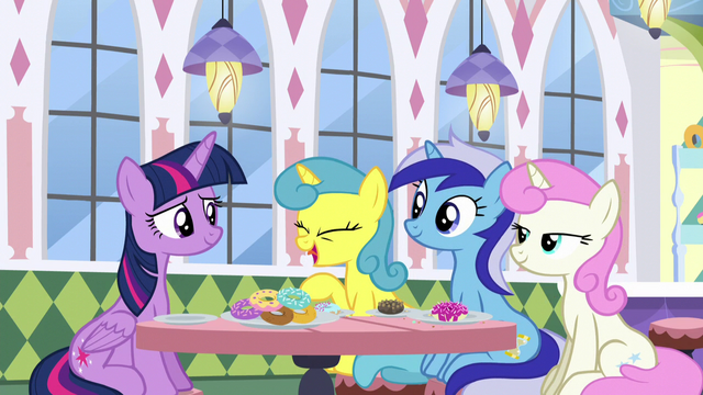 File:Lemon Hearts says it's good to see Twilight S5E12.png