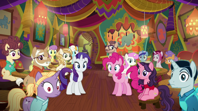 File:Pinkie, Rarity, and ponies speechless S6E12.png