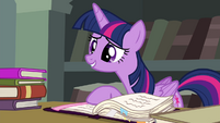 Twilight reminds Pinkie of Pinkie Pride S4E25