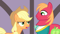 "Applejack ""couldn't bring herself to come into the spotlight"" S4E14"