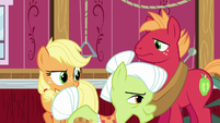 Granny Smith trotting out of the barn S6E23