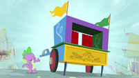 Spike with the puppet theater S4E23