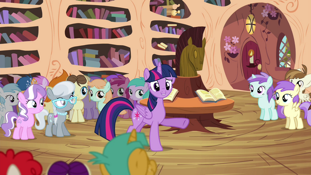 "File:Twilight ""thank the Cutie Mark Crusaders"" S4E15.png"