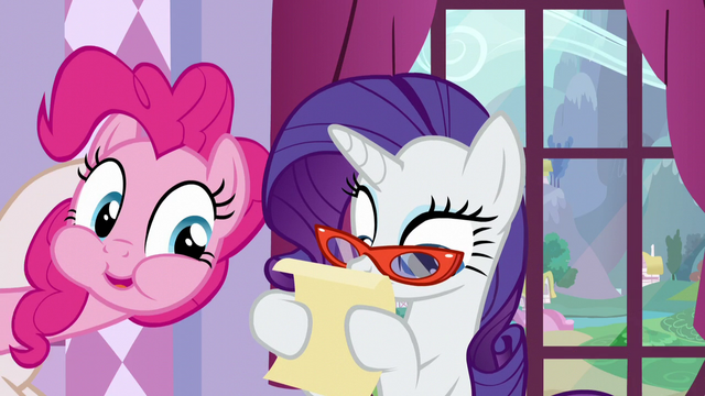 "File:A mouthful Pinkie ""What's it say?"" S5E14.png"