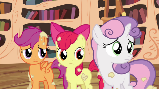 File:CMC looking back at Twilight S4E15.png