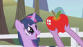 Delicious Apple S1E3.png
