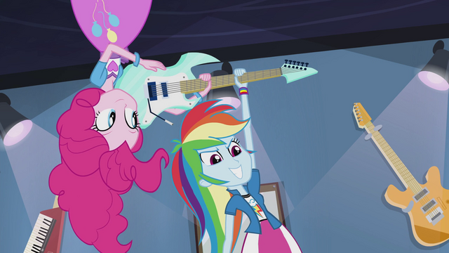 File:Pinkie hands guitar to Rainbow Dash EG2.png