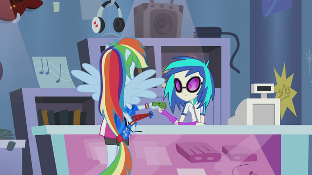 File:Rainbow Dash buying the guitar EG2.png