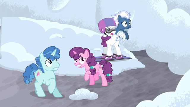 File:Village ponies afraid of Starlight S5E2.png
