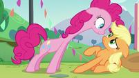 Applejack shakes her head S5E24