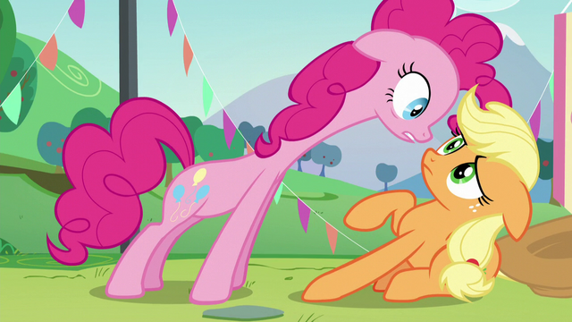 File:Applejack shakes her head S5E24.png