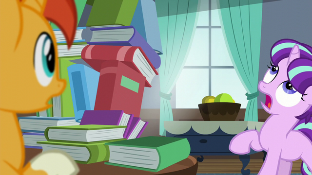 File:Filly Starlight sees book tower about to fall S5E26.png