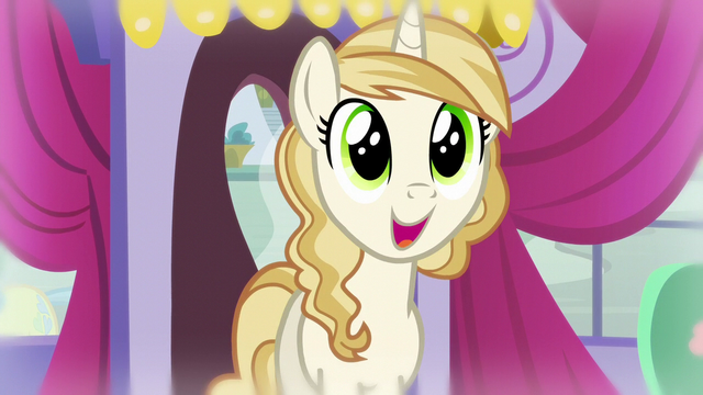 File:Pony in glee S5E14.png