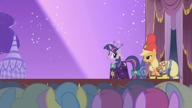File:Twilight and Applejack on the runway S1E14.png