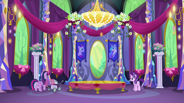 File:Twilight bringing silverware S06E06.png