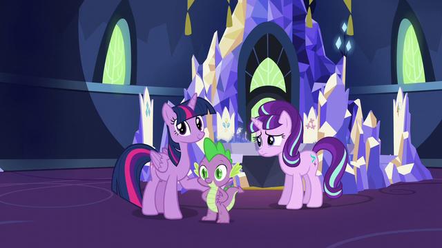 File:Twilight and Spike hears Applejack S5E26.png