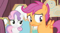 Scootaloo sees Apple Bloom leaving S4E05