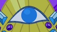 The eye on the headdress S4E19