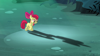 Apple Bloom looking at her shadow S5E4