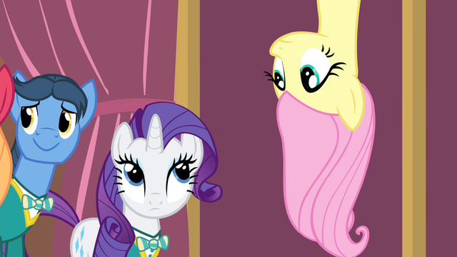 File:Fluttershy upside down S4E14.png