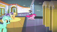 Pinkie Pie galloping to the stands S4E24
