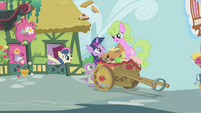 Sweetie Drops surprising Twilight S1E03