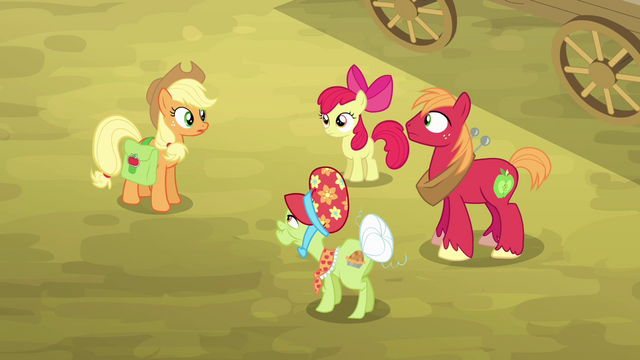 File:Applejack and her family gathered S4E09.png