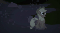 Slipping Applejack S2E2