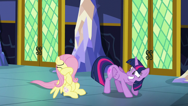 File:Twilight shows off her glowing cutie mark S5E23.png