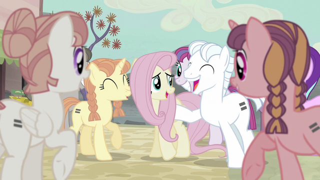 File:Fluttershy with other equalized ponies S5E02.png