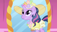 """Twilight in the mirror """"too yellow"""" S01E01"""