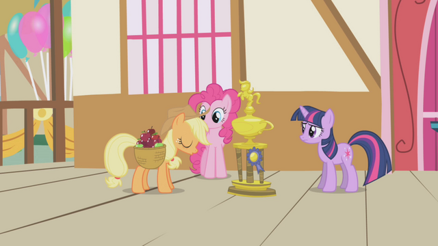 File:Applejack falls asleep S1E04.png