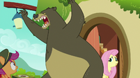 Harry roaring at Fluttershy's visitors S6E15