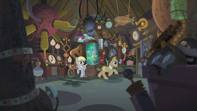 File:Derpy sees Dr. Hooves running S5E9.png